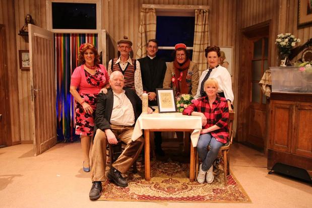 Nonkel Jef reist door West-Vlaanderen met theatertournee 'Chez Nonkel Jef'