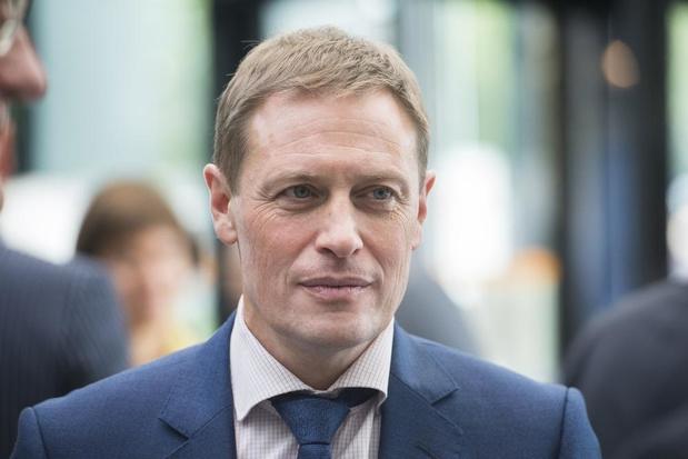 Karel Van Eetvelt broedt op politieke beweging