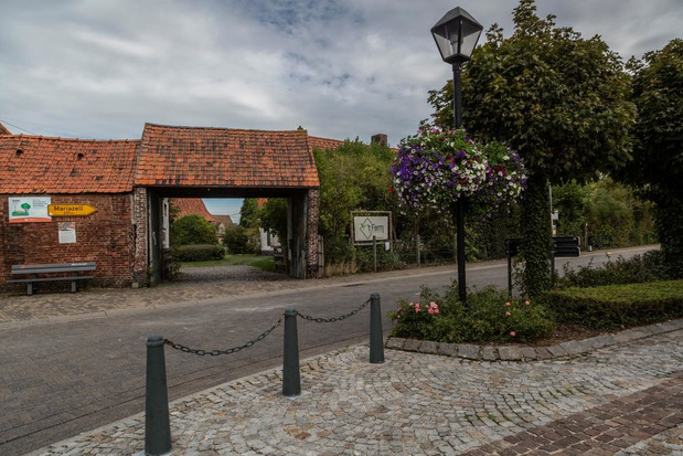 Eerste fase van werken aan Capellehof in Rollegem-Kapelle van start