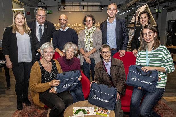 Vrijwilligers Leeskriebel in Roeselare bereiken 150 gezinnen