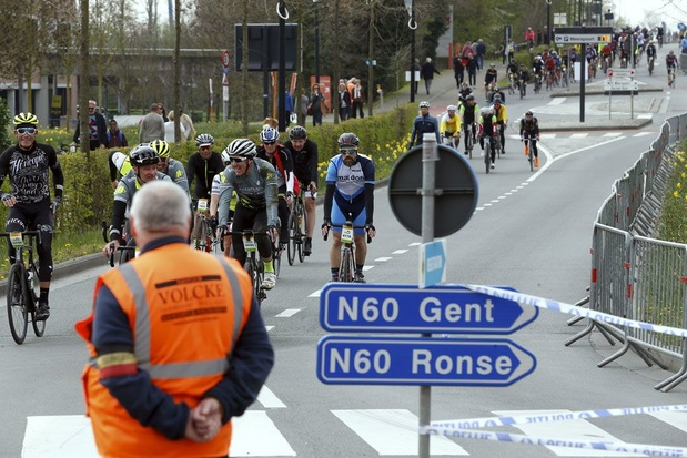 Ronde van Vlaanderen voor wielertoeristen verloopt vrijwel vlekkeloos