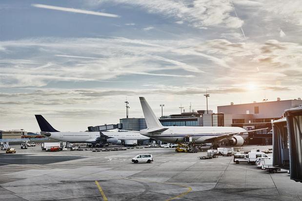 Prijzen van vliegtuigtickets nemen hoge vlucht