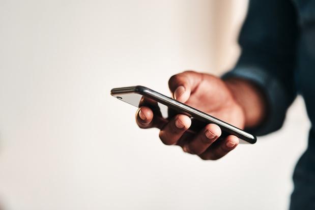 Panne Facebook: les SMS ont explosé en Belgique (+55%), selon Orange