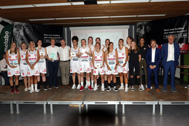 Deerlijk-Kortrijk Spurs stelt ploeg voor