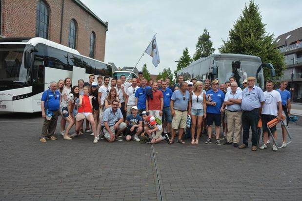 350 Ingelmunsterse supporters van Yves Lampaert onderweg naar Gent