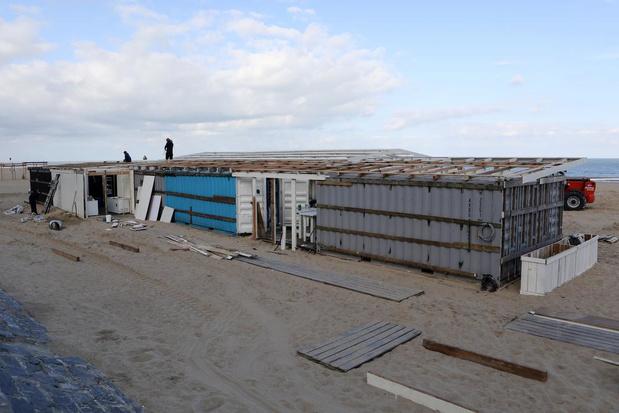 Einde van de zomer in zicht: strandbars in Oostende worden afgebroken