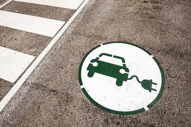 Un quart des Belges roulerait en électrique