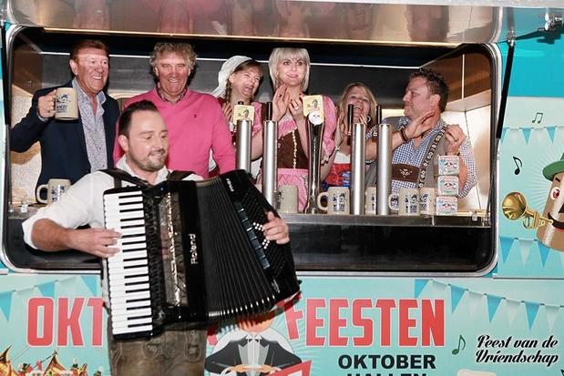 Johan Veugelers en Jean-Marie Pfaff lanceren hun veelbesproken duetsingle 'Rucki Zucki'
