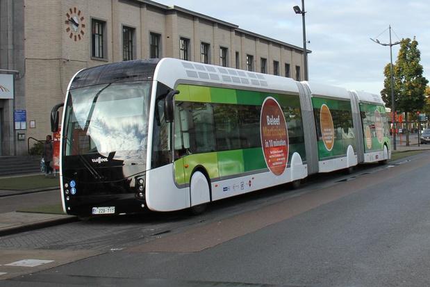 Kortrijks stadsbestuur belooft geld voor trambus om recordaantal studenten te bedienen