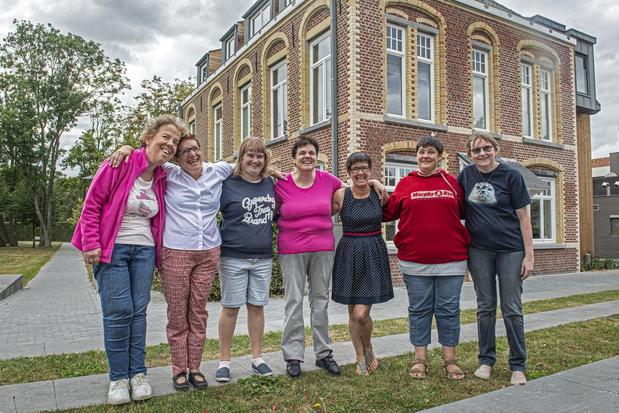 Zeven cliënten van Kerckstede wonen voortaan in voormalige pastorie in Oostnieuwkerke