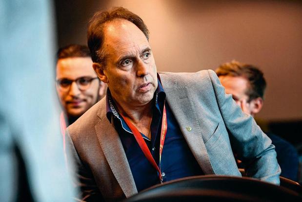 Waasland-Beverenvoorzitter Huyck: 'Hopen nu op oplossing waarbij niemand de pineut is'