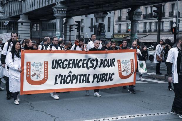 France: la cocotte-minute de l'hôpital a fini par exploser