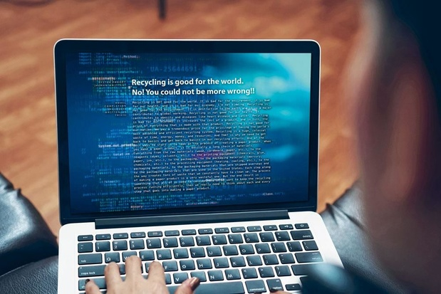 Une machine à textes... et à fake news