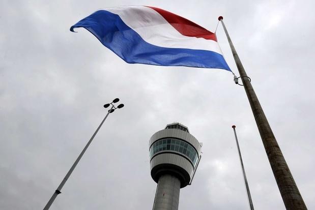 Schiphol schrijft dieprode cijfers door crisis en schrapt banen