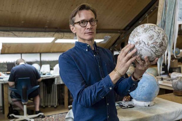 Dans les coulisses d'un fabricant de globes terrestres (en images)