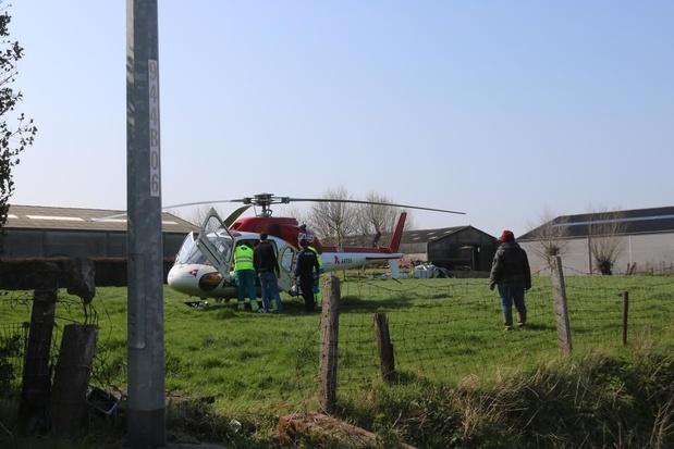 Fietser in levensgevaar na botsing met tractor in Diksmuide