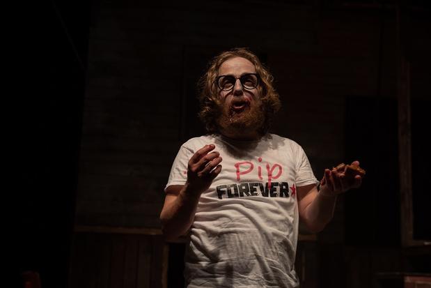 Hoe smeriger, hoe beter: dat geldt voor 'De kersenvla' van theatergezelschap Abattoir Fermé