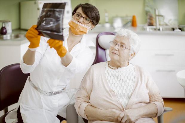 1 op de 3 van de 70-plussers gaat in 3 jaar tijd niet naar de tandarts