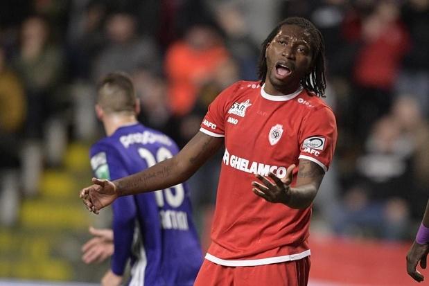 Waarom Anderlecht vorige zomer Santini verkoos boven Mbokani