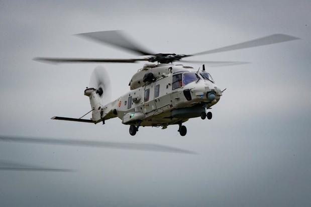 Helikopter van luchtmachtbasis Koksijde redt vijf vissers voor Duinkerke