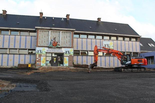 Heraanleg parking stedelijke basisschool in Desselgem gestart
