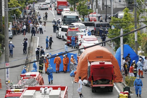 Twee doden en zeventien gewonden, onder wie kinderen, na mesaanval in Japan