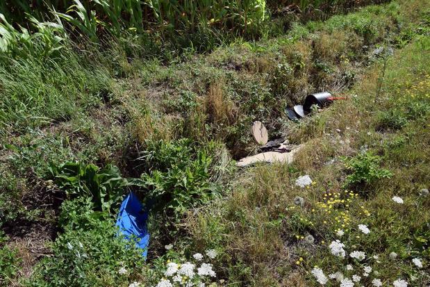 Sluikstorters bezaaien Bosweg in Rekkem volledig met afval