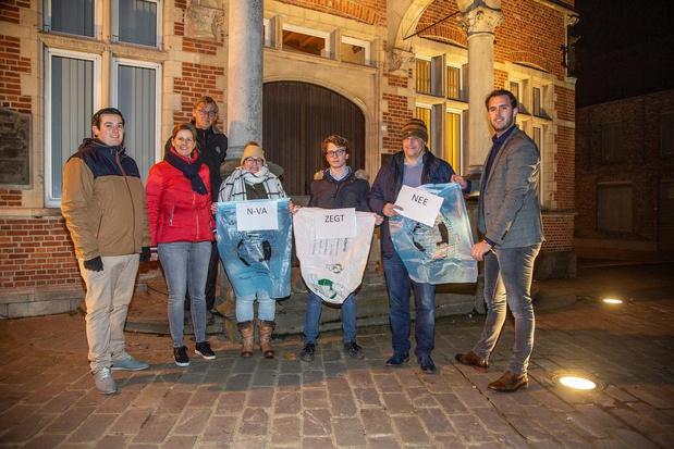 N-VA voert actie tegen duurdere restafvalzakken in Moorslede