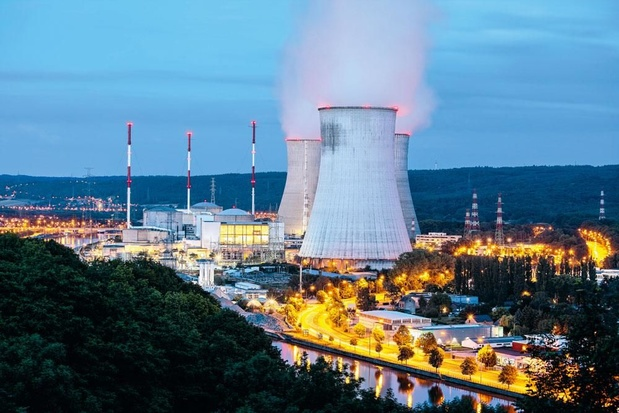 """La transition énergétique est """"trop lente"""", il faut investir massivement et rapidement dans les énergies propres"""