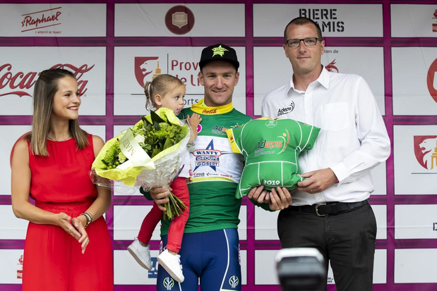 Timothy Dupont uit Bredene sprint naar zege in eerste rit van de wielerronde van Wallonië