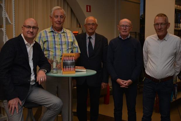 Stefan Brijs stelt nieuwe roman 'Zonder Liefde' voor in Oostkamp