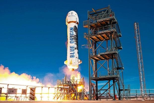 Le milliardaire Jeff Bezos a voyagé dans l'espace à bord de son vaisseau Blue Origin (vidéo)
