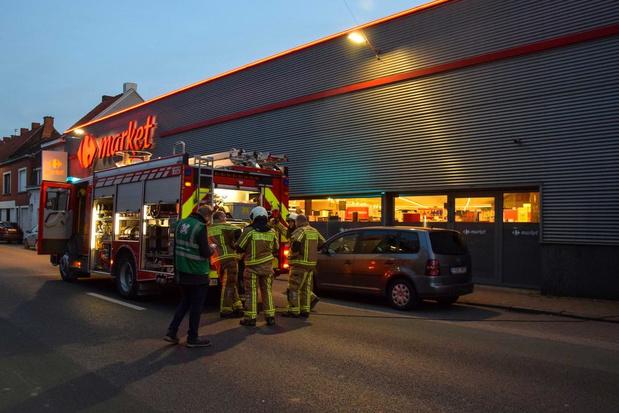 Carrefour in Menen even ontruimd