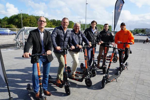 """Bredene start proefproject met elektrische deelsteps: """"Wilden niet achterblijven"""""""