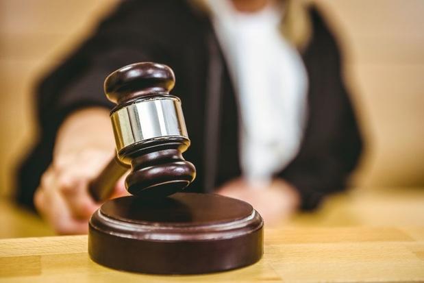 Dommel demande d'être protégée de ses créanciers