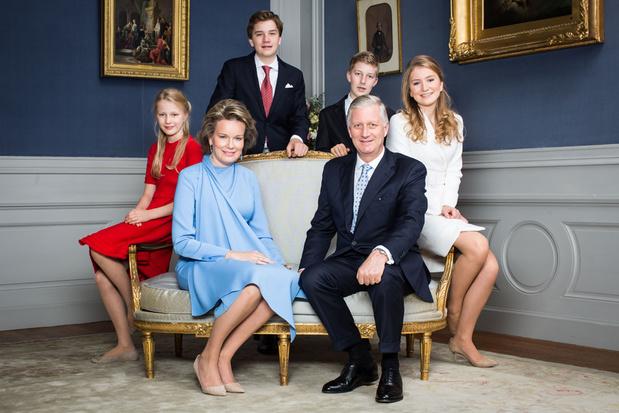 Six portraits officiels de la famille royale pour les 18 ans d'Élisabeth