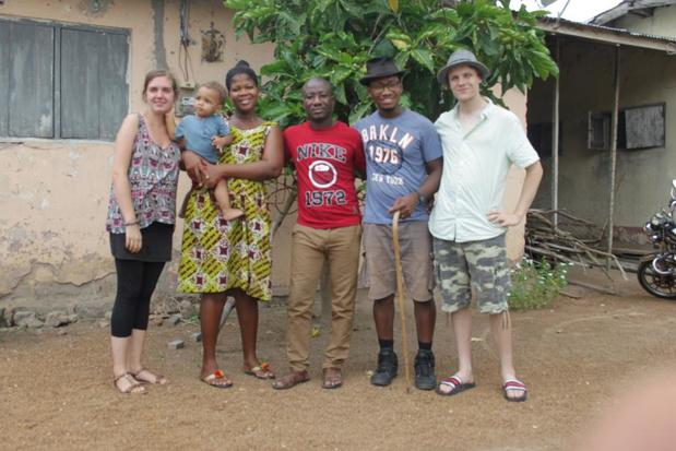 """Evert bouwt school én creatieve hub in Ghana: """"De kinderen krijgen hier les onder een boom"""""""