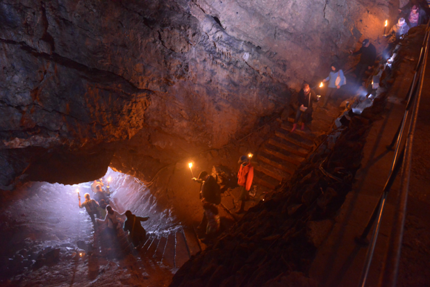 Les Grottes de Han... comme à la Belle-Epoque