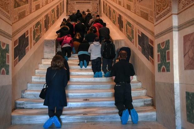 De Santa Scala, de trap waar Jezus overheen gelopen zou hebben, voor het eerst in 300 jaar geopend
