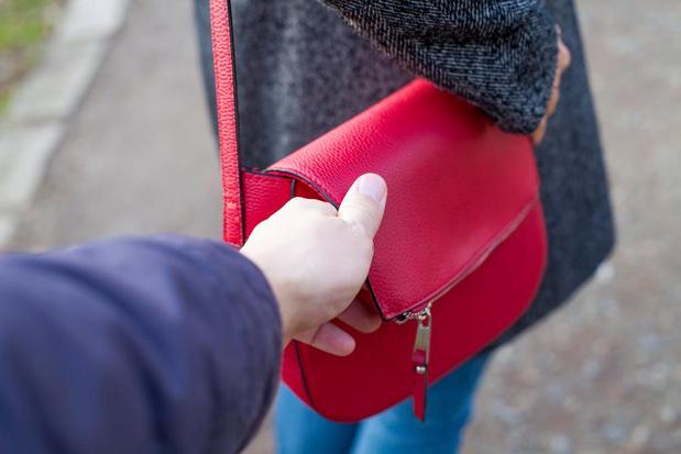 Handtas gestolen tijdens zoektocht naar dementerende man in Koksijde