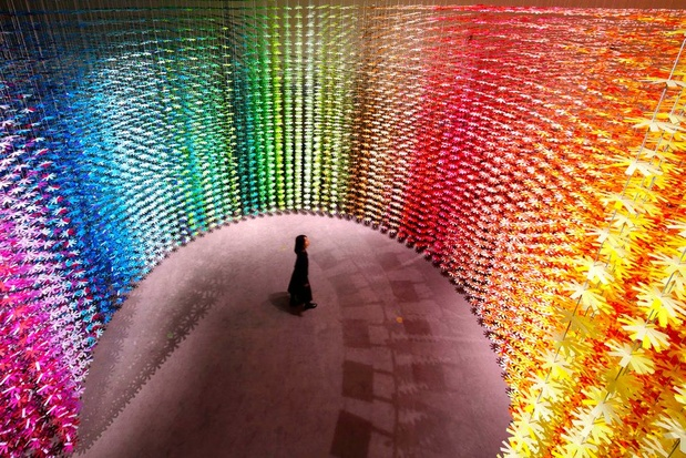 Het juiste licht, felle kleuren en knolling: zo creëer je een vrolijk huis