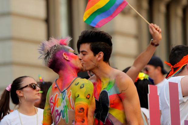 Reusachtige Gay Pride in New York voor 50 jaar Stonewall