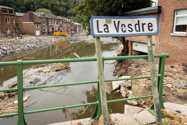 'Elf weken na de zondvloed. Het leger brengt Gentse waterzooi.'