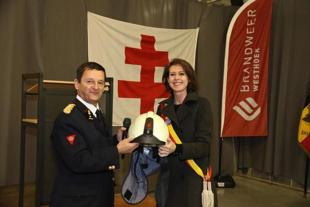Nieuwe helmen voor Ieperse brandweermannen