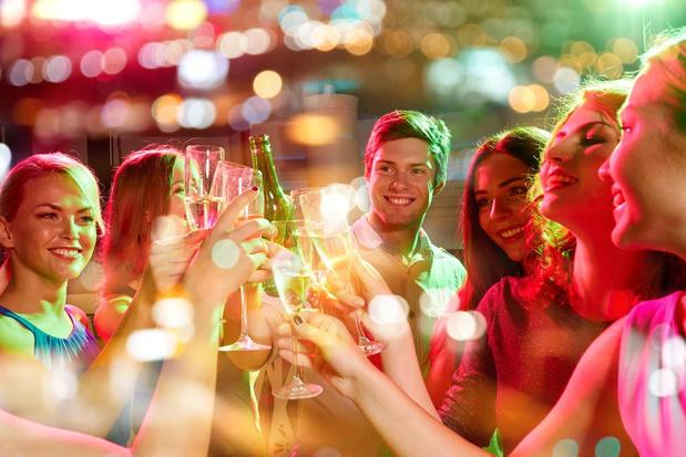 Abus d'alcool chez les jeunes: De Block ne souhaite pas relever la limite d'âge d'achat