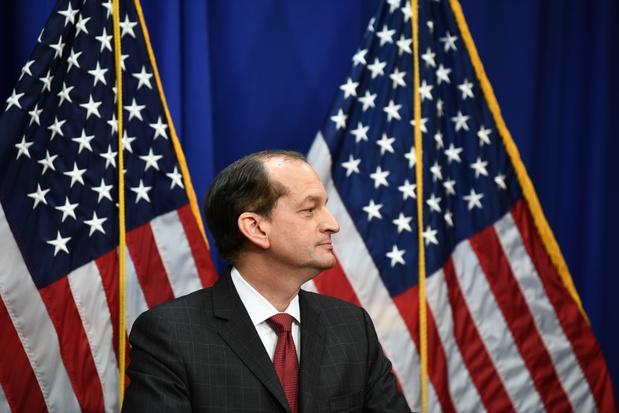Trumps minister van werk verdedigt optreden in zaak tegen miljardair Jeffrey Epstein