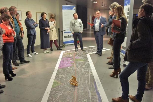 Expo met luchtfoto en infopanelen rond fietssnelweg Kortrijk-Harelbeke-Waregem