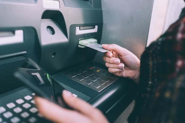 Vier banken en bpost gaan samen geldautomaten beheren