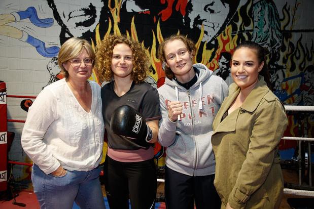 Familie De Coster staat als één blok achter bokskampioene