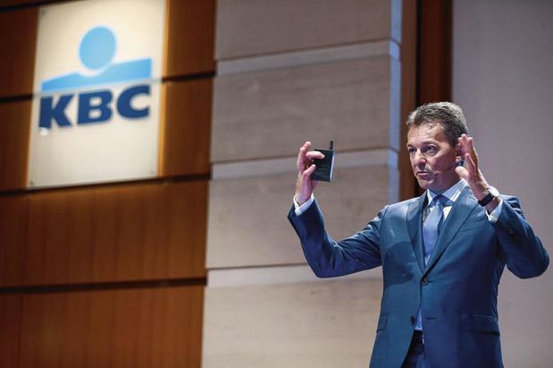 """Le patron de KBC veut améliorer le plan """"bazooka"""" de De Croo"""